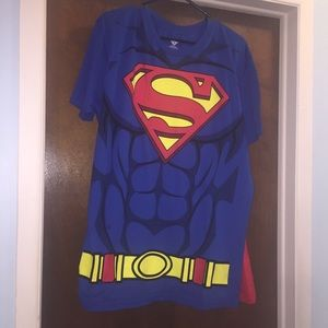NWT Superman T-shirt with cape size XL